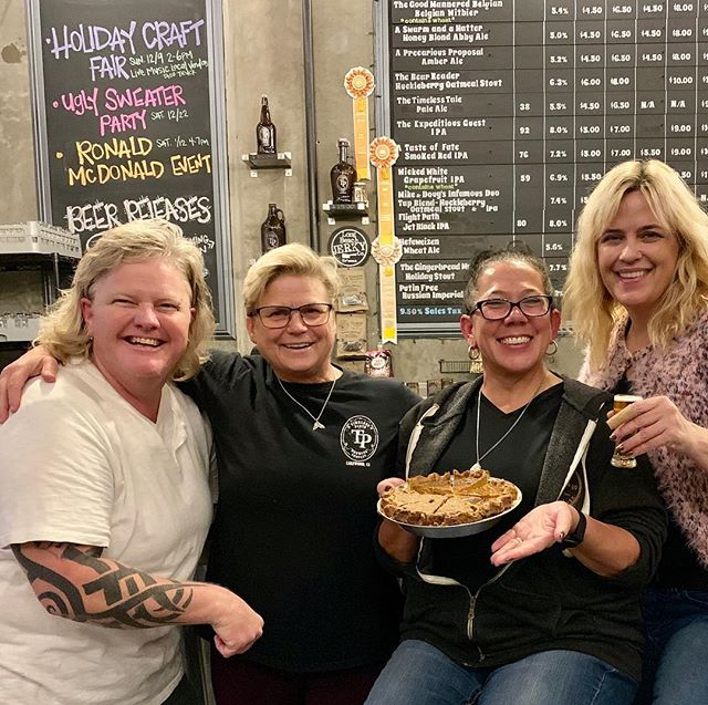 Pie and Beer and WooWooHeart Post Thanksgiving fun! 🦃🍽 🥧  #colossusbread #woowooheart #timelesspints #pie #postthanksgiving #beer #pieandbeer
