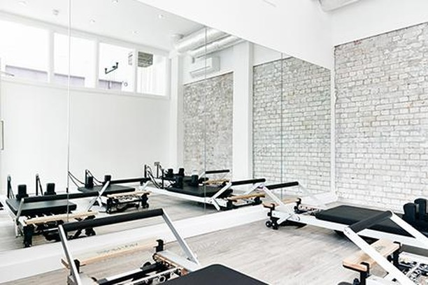 Studio One in Islington offers 3 beautiful, light studios for all kinds of classes: yoga, reformer pilates and fitness. We love this space 😍🙏 @StudioOne - Check out our latest blog on the best yoga studios in Islington - #fitness #health #wellness #yoga #pilates #london #islington #northlondon #islingtonlife #womenshealth #ukfitfam #yogi #instafit #instayoga #yogaliving #fitfam