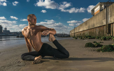 "<div style=""text-align: left""><strong>Tom Wilson-Leonard</strong><span style=""color: #7d7d7d; font-size: 85%;""><br>Private Yoga Class: £70<br>5 x Private Yoga: £332.50 (5% off)<br></span></div>"