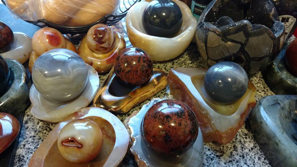 - WITCHY WARES                        Crystals, gem stones, custom robes and cloaks, drinking horns, metaphysical supplies.www.witchywares.net