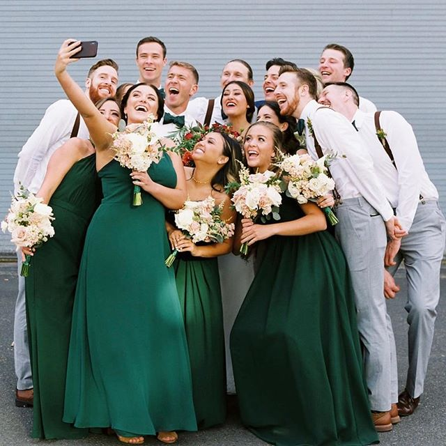 Can all of my 2019 weddings please be this fun?! 💍 . . . . #pnw #wedding #hair #MUA #seattlemua #seattlehmua #picoftheday #seattle #bride #thedailywedding #bridalparty #bridesmaids #seattlebride #beautifulbride #beauty #love 📞 call/txt (509) 432-1342 💌 email - Sarabutlerbeauty@gmail.com HMUA - @sarabutlerbeauty Photography- @azizstudios