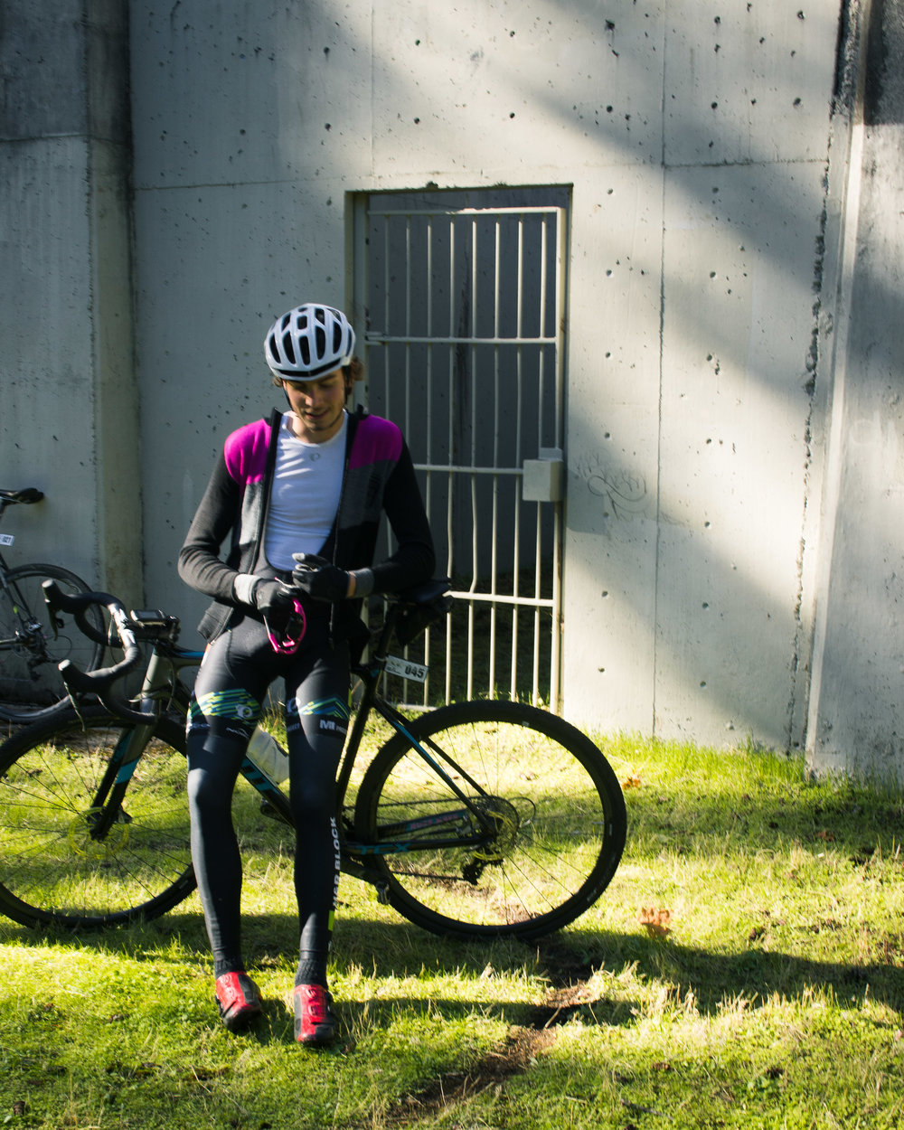 After a hard climb on Sunday to Royal Oak Reservoir in my WPG CX 2014 wool jersey. Photo by Maxim.