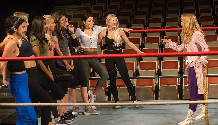 The_Bachelor_season_22_episode_3_recap_girls_wrestling.jpg