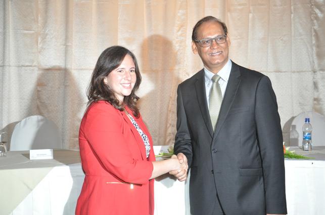 2016 10 19 Minister ANH handshake.jpg