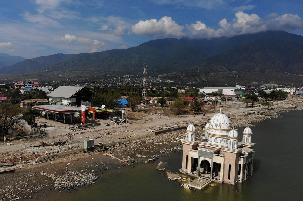 A powerful earthquake struck the island of Sulawesi in Indonesia in September 2018, triggering a tsunami and killing thousands of people. Now, research suggests the earthquake was a rare breed of temblor known as supershear. PHOTOGRAPH BY JEWEL SAMAD, AFP/ GETTY