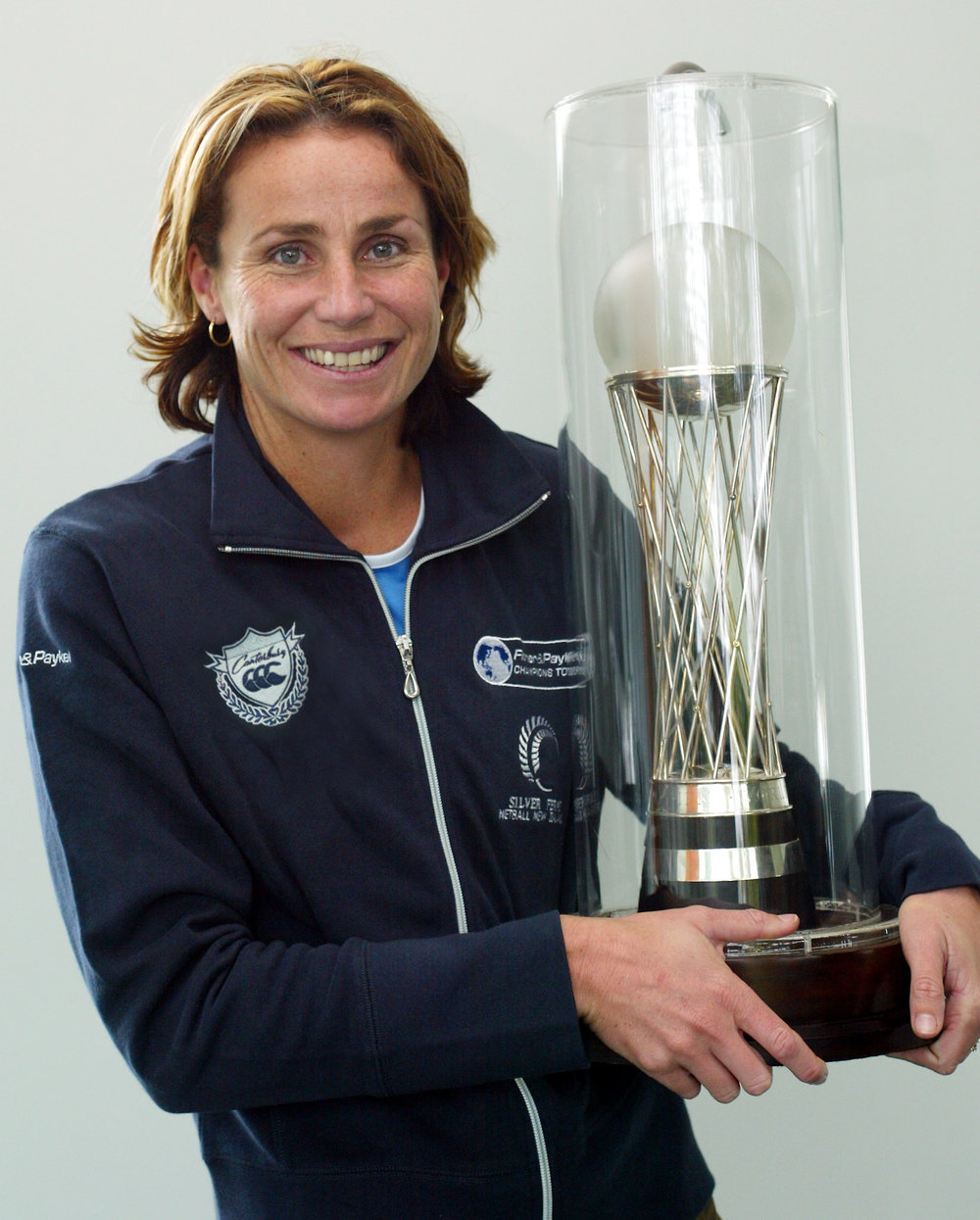 FPR89099TANIA_WITH_TROPHY.jpg