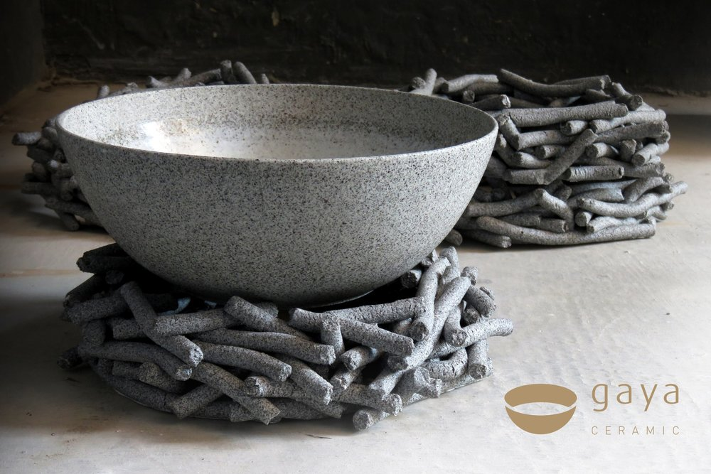 Gaya_Ceramic_logo_simple_bowl_holds.jpg