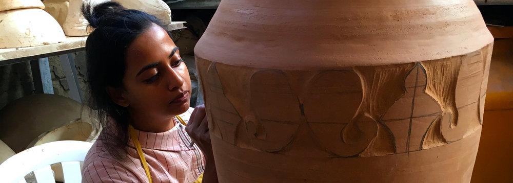 3gaya-cac-internship-carving-big-pots.jpg