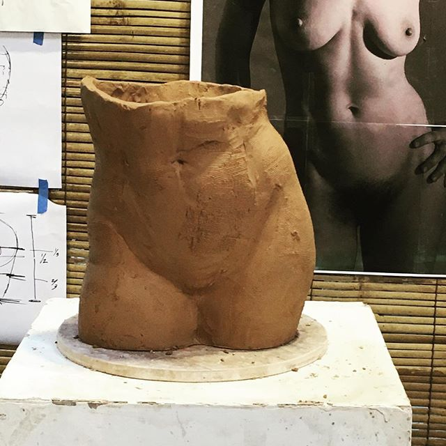 Moving on to near life-size. #torso #sculpture #clay #giving #life #workshop with @cristinacordovastudio #breath-taking #anatomy #eatclaylove #clayeverydamnday #bali
