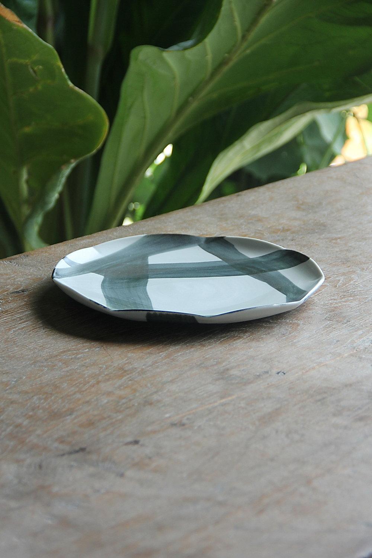 polygon appetizer plate quarter.JPG