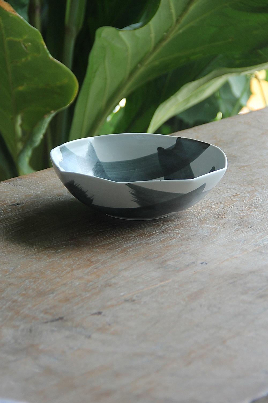polygon salad bowl quarter.JPG