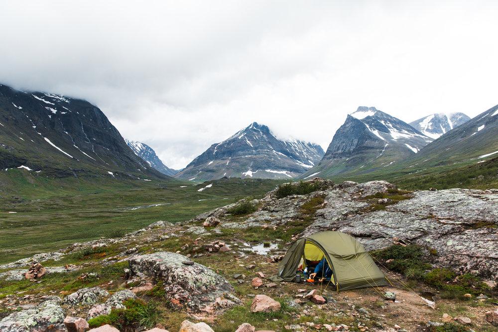 В полночь, когда дождь немного стих, я решила выскочить из палатки, сфоткать звезды.