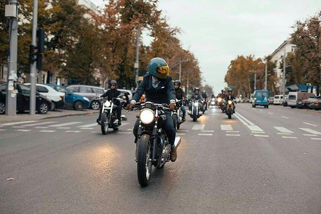 The Distinguished Gentleman's Ride in Chisinau #dgr2018 #dgrchisinau #distinguishedgentlemansride #classicmotorcycle #escobarmotors #chisinau #moldova #localsmd #moldovamea #sidecar #motorcustom #thedistinguishedgentlemansride