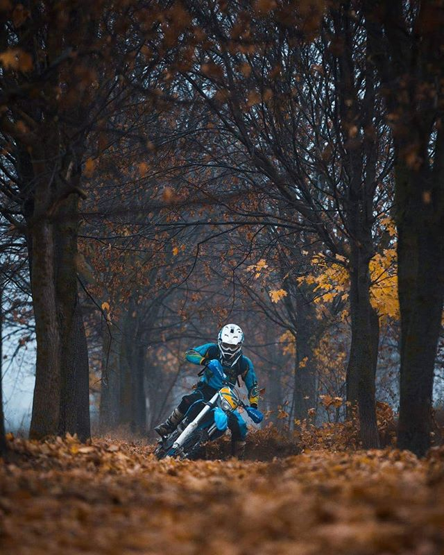Not a single time meeting with this guy ended well. If you got enemies, send them for a shoot with me. #reasonstohatethephotographer #mx #motocross #enduro #husaberg #husqvarnamotorcycles #husqvarna p
