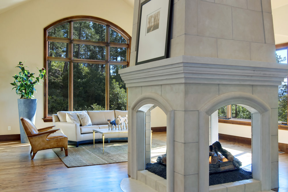1043 Zac Great rm fireplace - Copy.jpg
