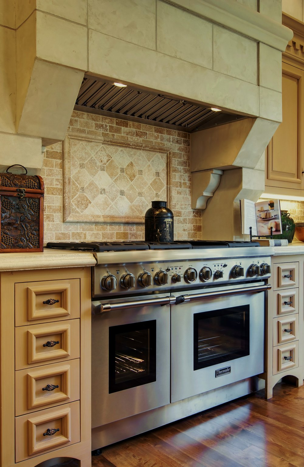 1043 Zac kitchen range.jpg