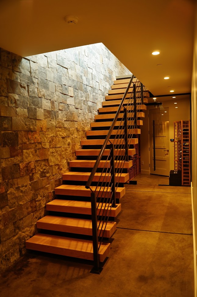 Interior 1123 Floating Staircase.JPG