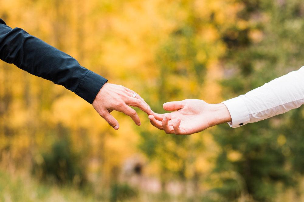 Couples engagement session in Aspen Colorado | Best Maroon Bells elopement photographers