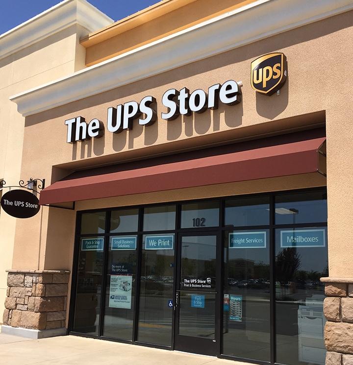 UPS-Store-Fresno-3.jpg