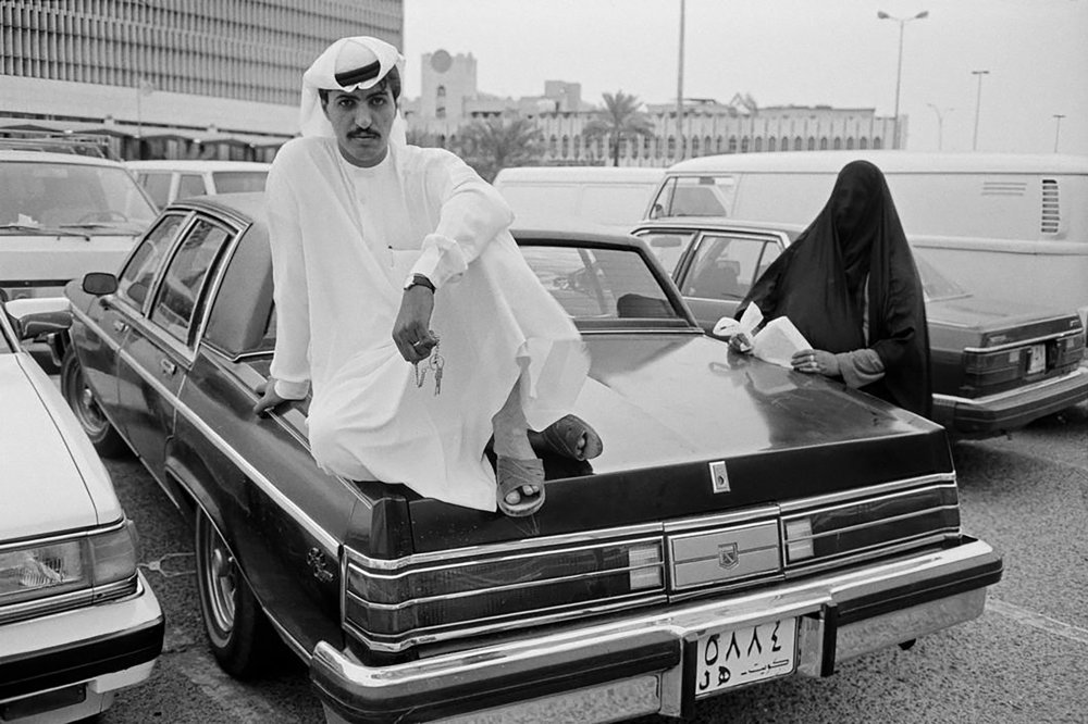 1970's Kuwait. Young man posing for the photographer. Source 248am.com
