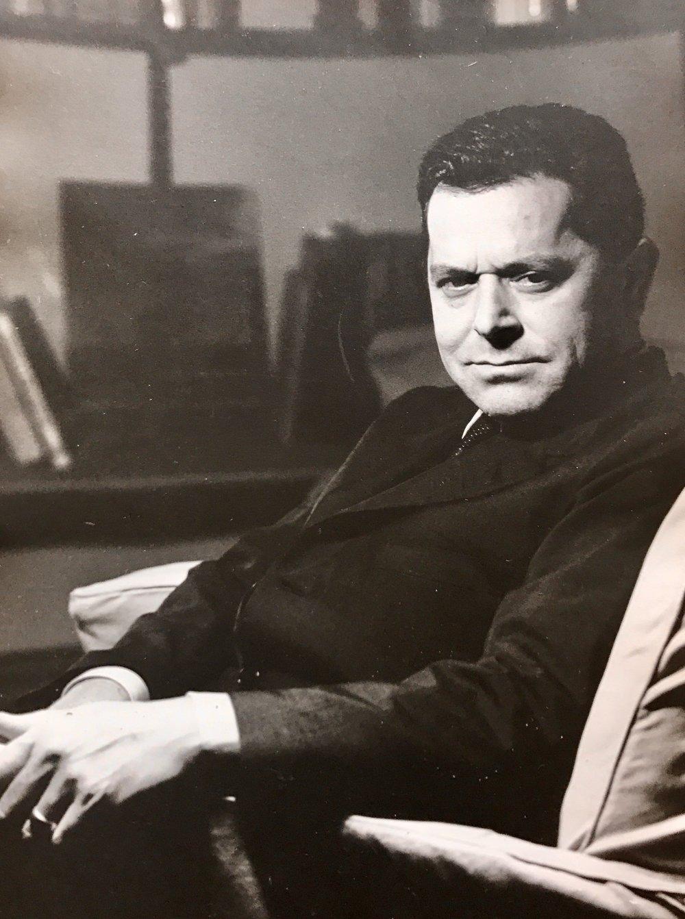 Michele Valori nel suo studio