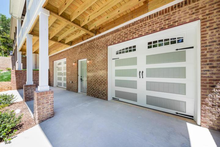 exterior garage.jpg