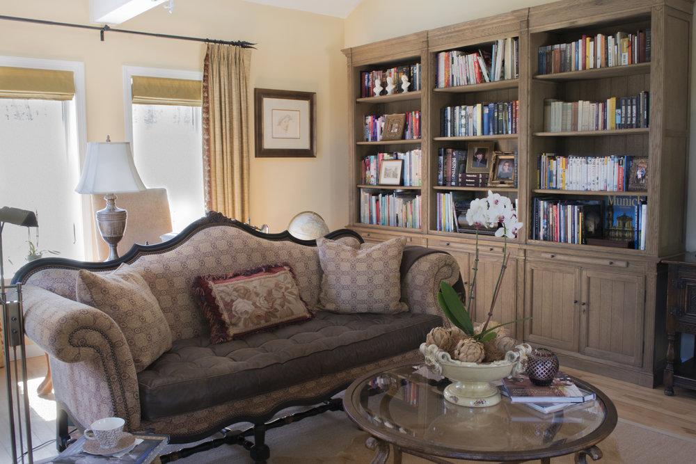 U_livingroom_view3.jpg