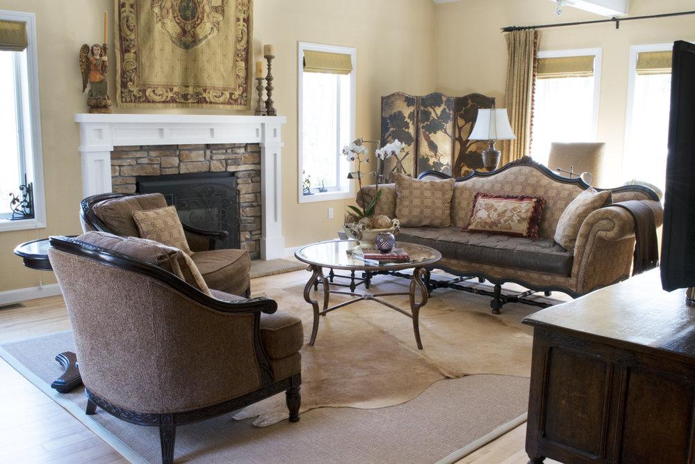 U_livingroom_view2.jpg