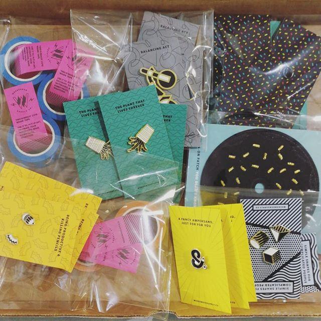 New goodies courtesy of @weekendersupply 🌟🌟 #artnoisenook #artnoise #pins #patches