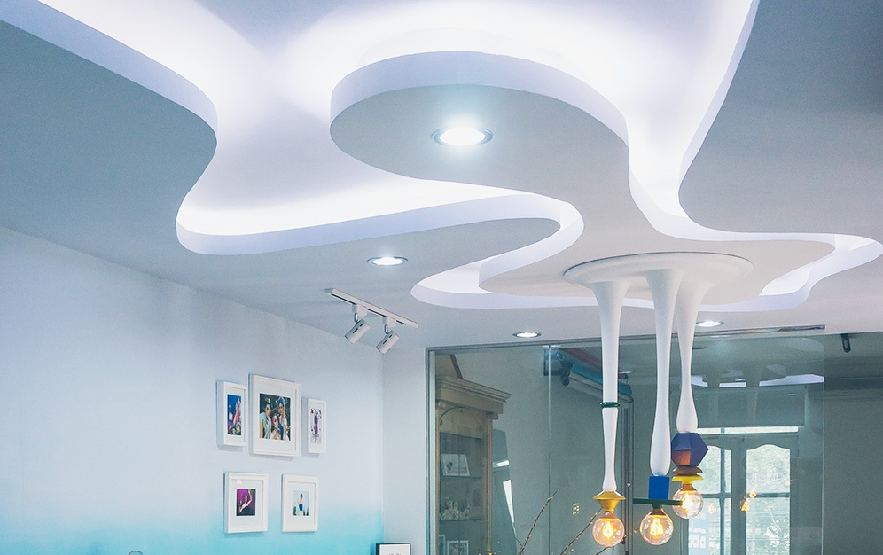 Fi Studio - 250 sqm Design and ConstructFi Studio is a photography studio and work-space which nurtures creativity. Our intention was to explore and promote the magically surreal elements of a dreams-cape through colour, textures and lighting.