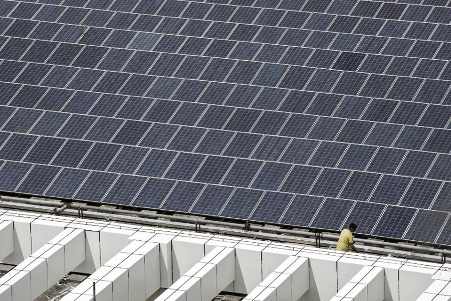 A rooftop solar farm at the BYD Co. headquarters in Shenzhen, China. Photographer: Qilai Shen/Bloomberg