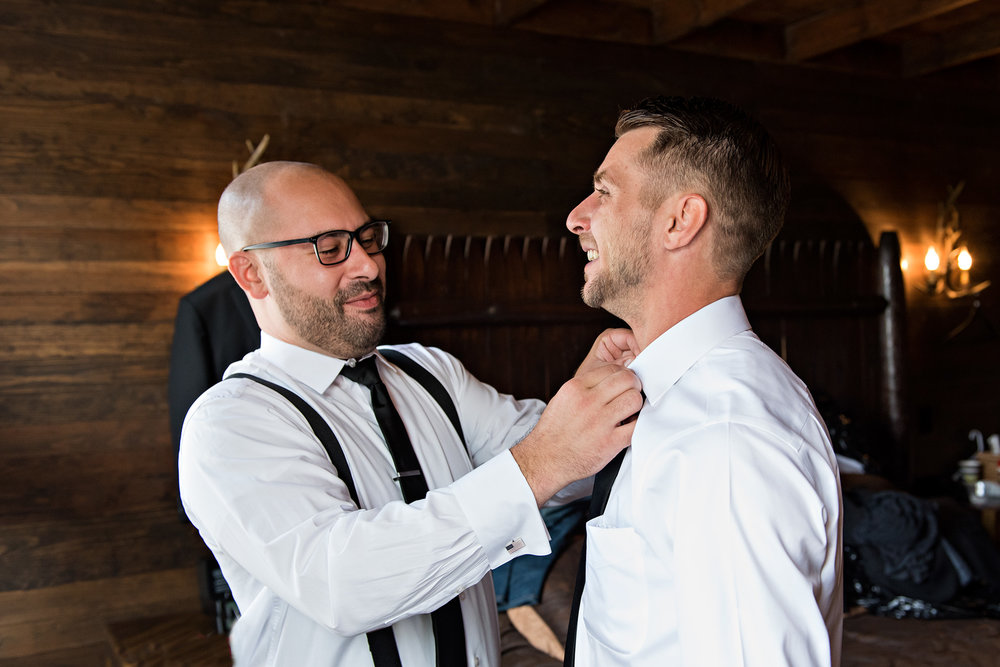groom wedding ready litchfield inn connecticut wedding photography. ct wedding photographer
