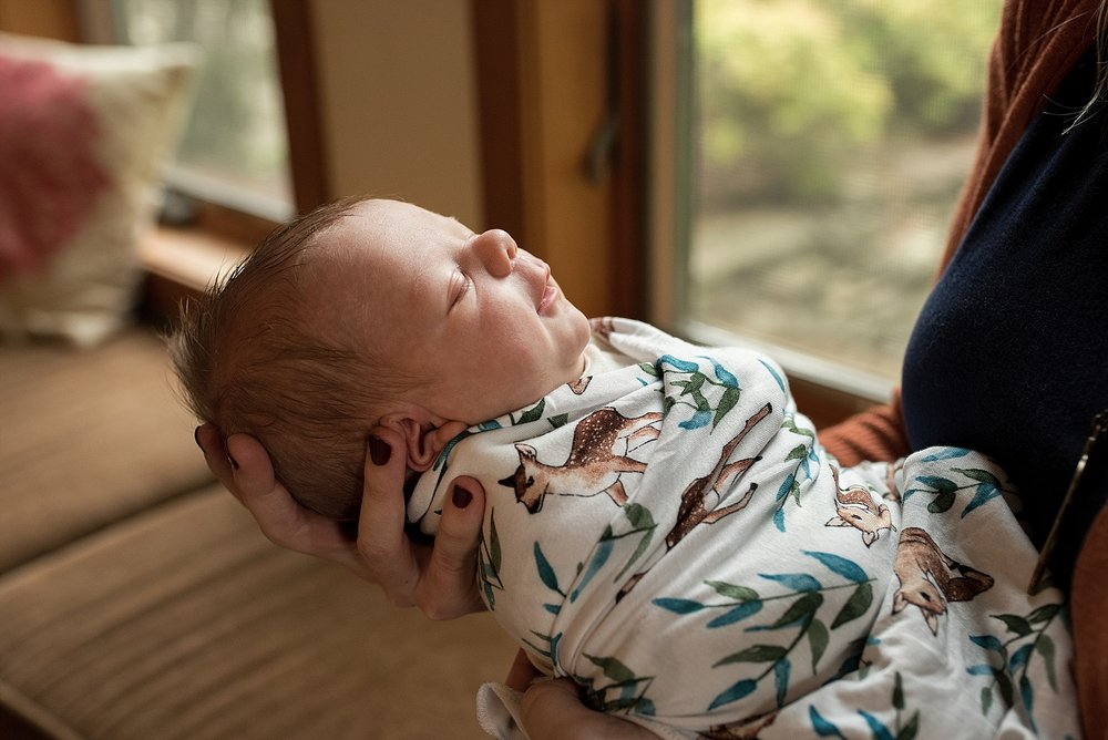 candid and natural newborn photographer in connecticut