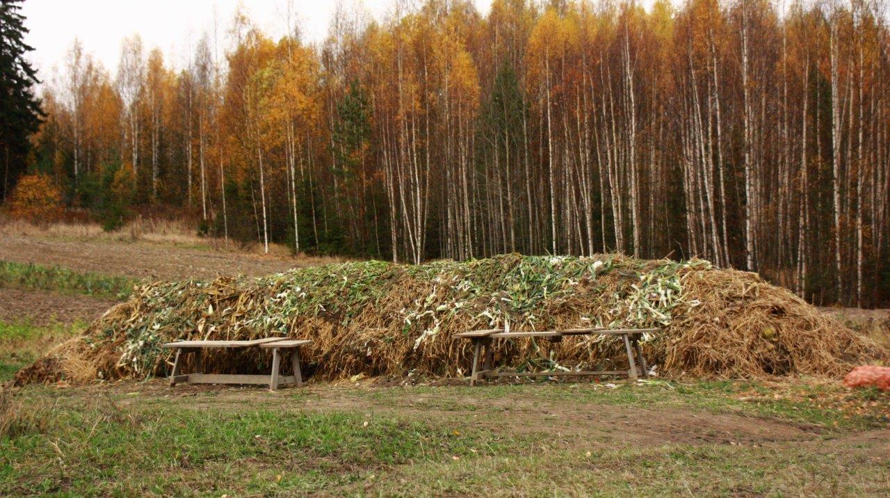 Pellolla jätteet palautetaan kiertoon oman kompostin kautta