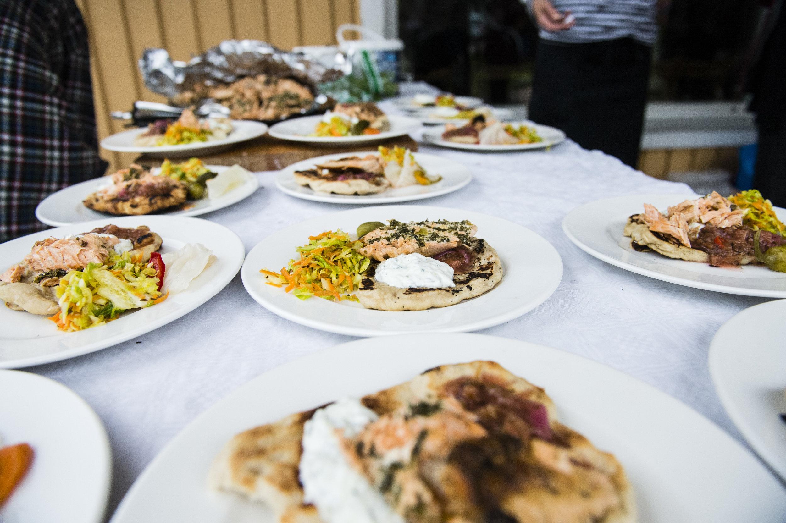 Peltoon ja ruokaosuuskuntaan tutustumisen jälkeen maistui ruoka, josta vastasi kokki Mika Niinranta.