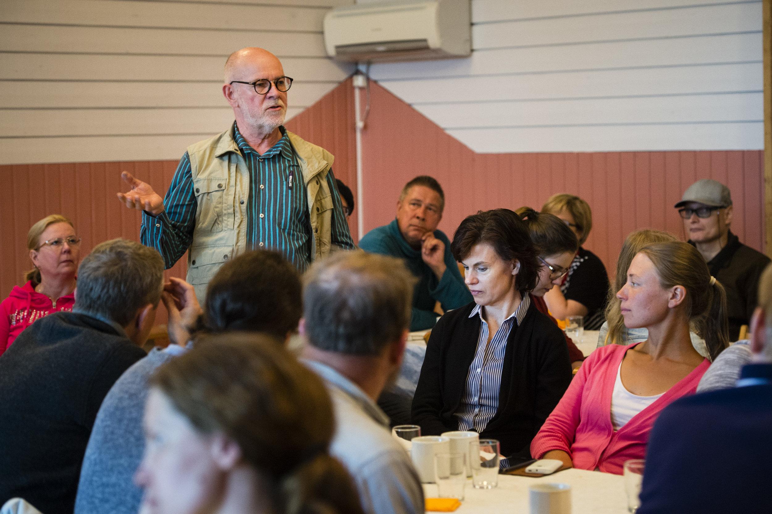 Halpuuttamisella ei synny kestävää elintarviketaloutta. Kumppanuusviljely opettaa, mikä maksaa ja miksi maksaa, ympäristöneuvos (emeritus) Sauli Rouhinen.
