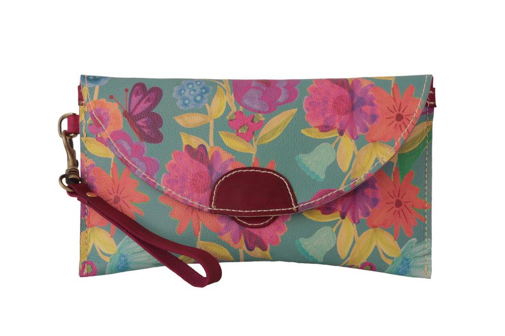 KAIJA CLUTCH BAG 3.jpg