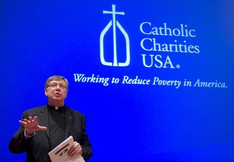 Credit-Notre-Dame-Photographer-Matt-Cashore_-Fr-Larry-February-2012