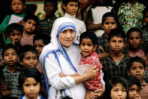 mother-teresa-be1fe2e4-273e-4692-8f81-8ac6c630b7bb