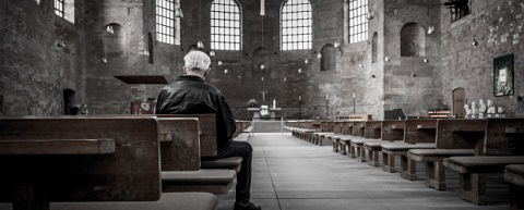 Solitary-man-in-church-620x250.jpg