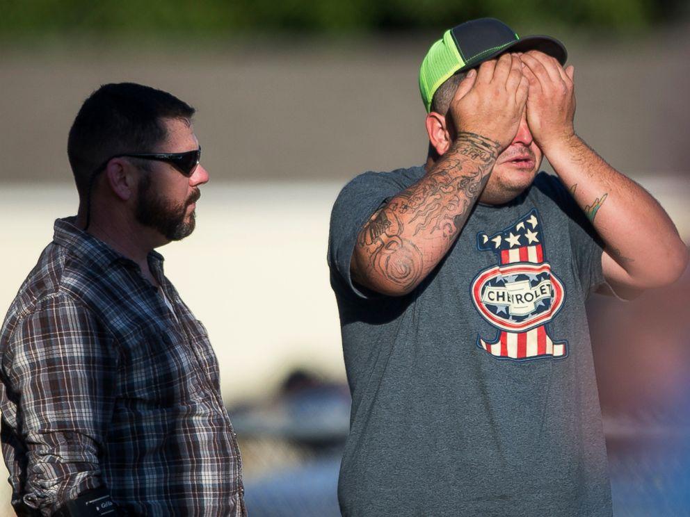 texas-church-shooting-08-ap-jc-171105_4x3_992.jpg