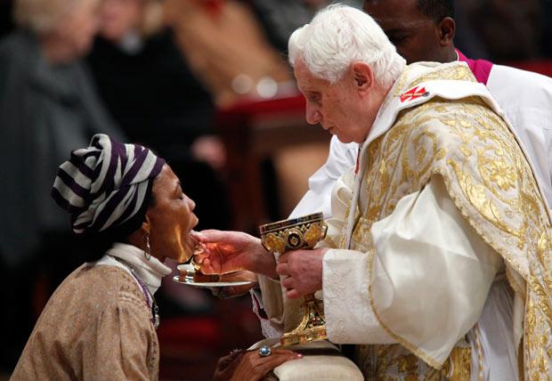 kneeling-for-communion.jpg