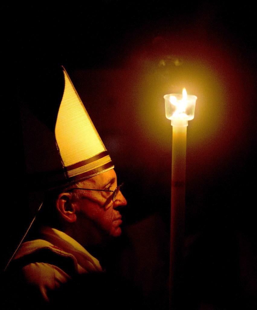pope-francis-easter-vigiljpg-e8c425db8cffb2a1.jpg
