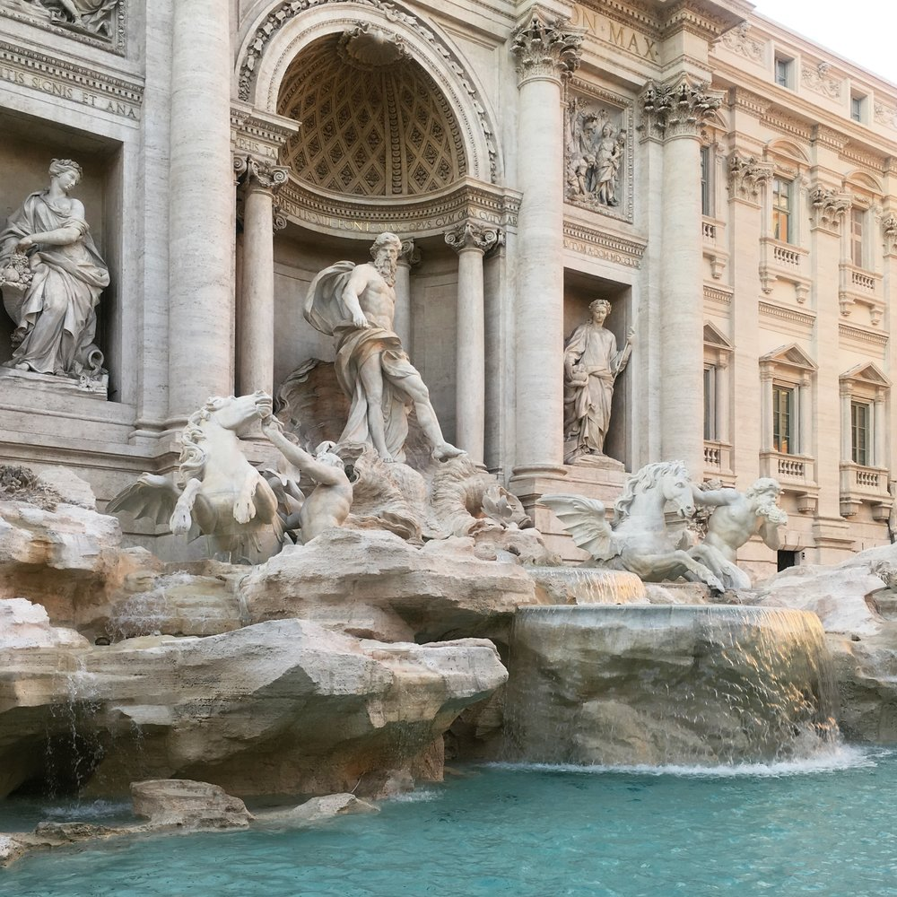 Lozidaze_Trevi_Fountain_01