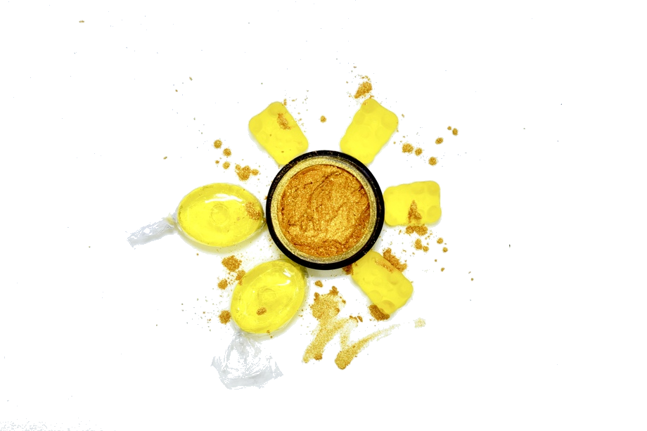 EROS | - It's Always Sunny while this blinding Eros x Gummy Lemon Drop collaboration is on the horizon. Bright, rich golden & yellow color consumes this highlighter! Spend one day with this shade & it'll feel like you've bathed in gold.
