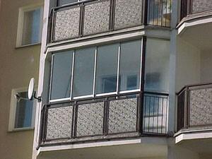 Copy of Zabudowa balkonu w systemie przesuwnym.