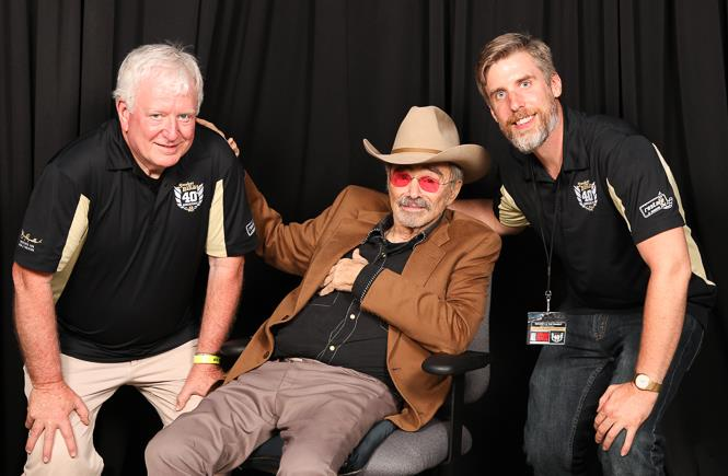Burt Reynolds with Alex and Drew Money at the 2017 Bandit Jump