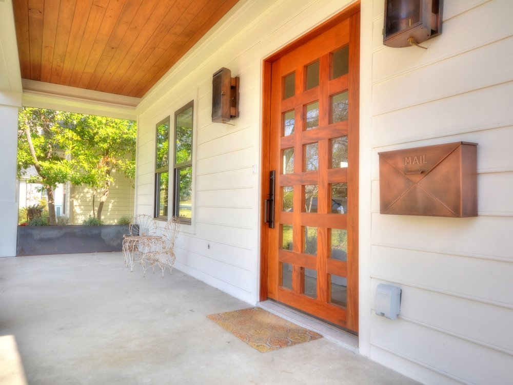 007_Front Porch-Door.jpg