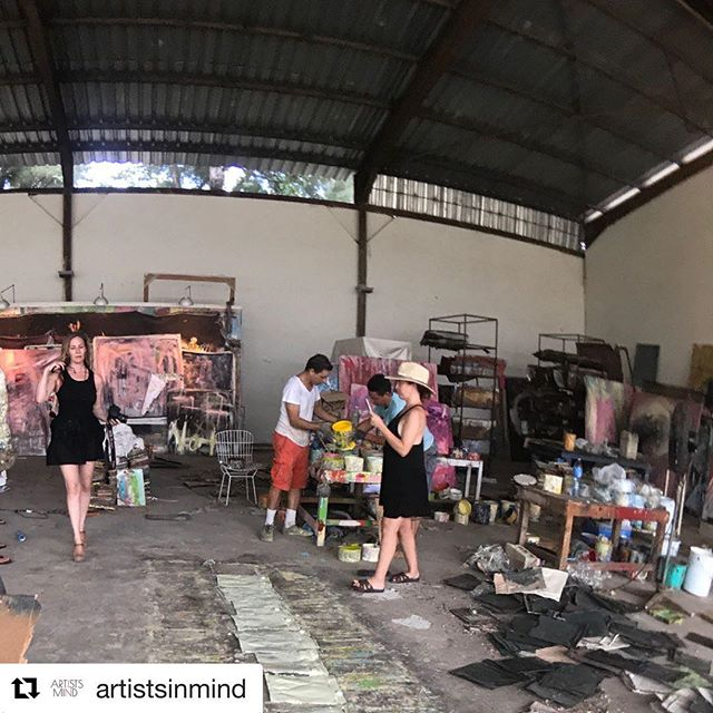 Attend the opening night of 'The Future Moves Slow' at the Schoos Night Gallery on November 11! ✨ #TheFutureMovesSlow #CubanArt #PopUpGallery  #Repost @artistsinmind (@get_repost) ・・・ Co-Founders Aimee Martinez and Rachel Melvald watching the artistic process of Damian Aquiles unfold in Havana. #artistsinmind #futuremovesslow 📷:: @natecork