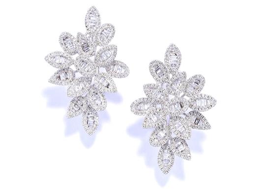 MargotRobbieEarring Diamond Stud Leaves_LR.jpg